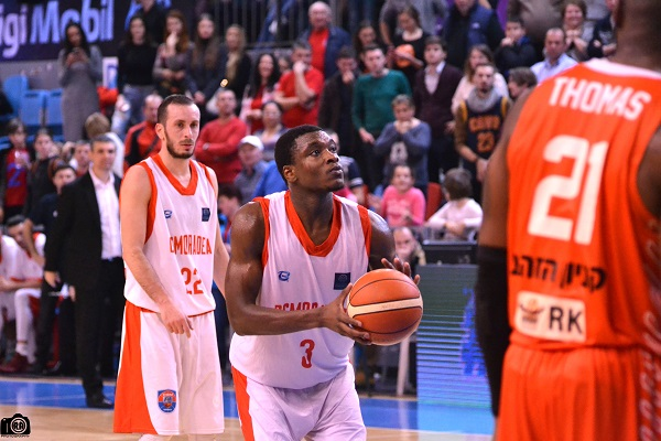 Zeno egalează recordul lui Barnette într-un meci din Basketball Champions League