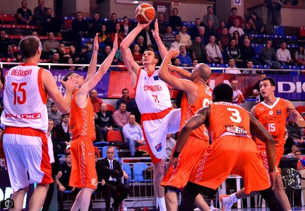 Denison la meciul 50 în LNBM, Lucic la meciul 50 în uniforma CSM Oradea în baschetul românesc