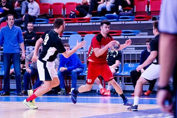 Echipa de handbal se deplasează la Brașov